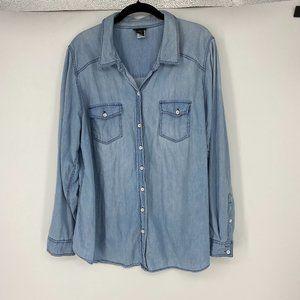 TORRID | Size 2X. Button Down Chambray Shirt